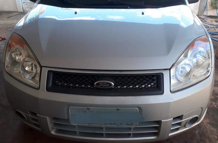 Ford Fiesta Sedan 1.6 Mpi Class Sedan 8v Flex 4p Manual Prata Flex 2010 Usado