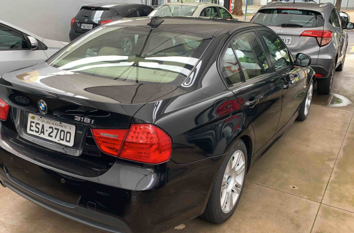 BMW 318I 1.8 SEDAN 16V GASOLINA 4P AUTOMÁTICO Usado