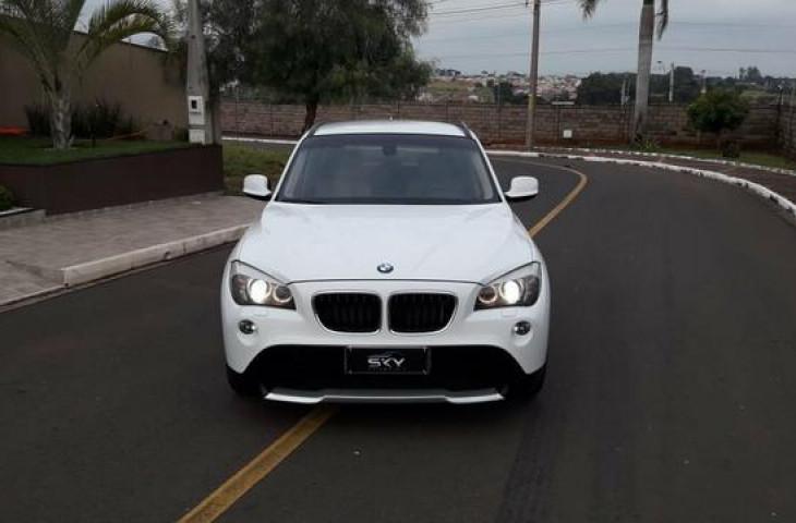 BMW X1 2.0 18I TOP 4X2 24V GASOLINA 4P AUTOMÁTICO  Usado