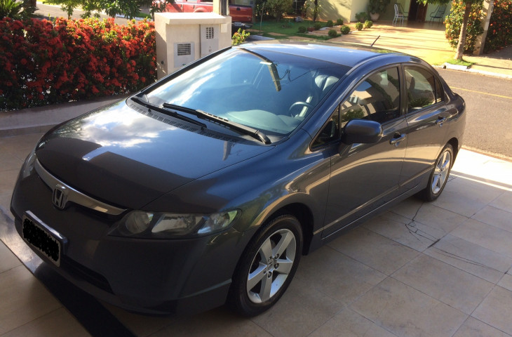 HONDA CIVIC 1.8 LXS 16V FLEX 4P MANUAL Usado