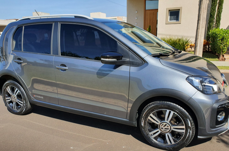 VOLKSWAGEN UP 1.0 170 TSI TOTAL FLEX XTREME 4P MANUAL Usado
