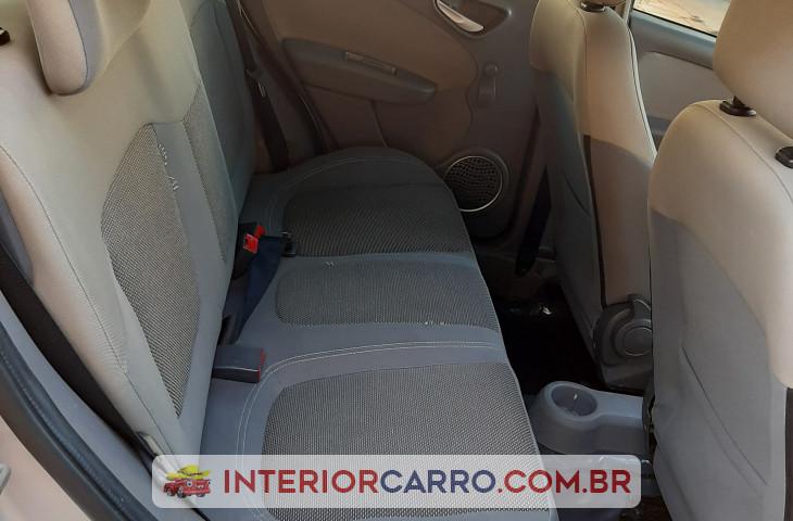 Fiat Palio 1.6 Mpi Essence 16v Flex 4p Manual Prata Flex 2015 Usado