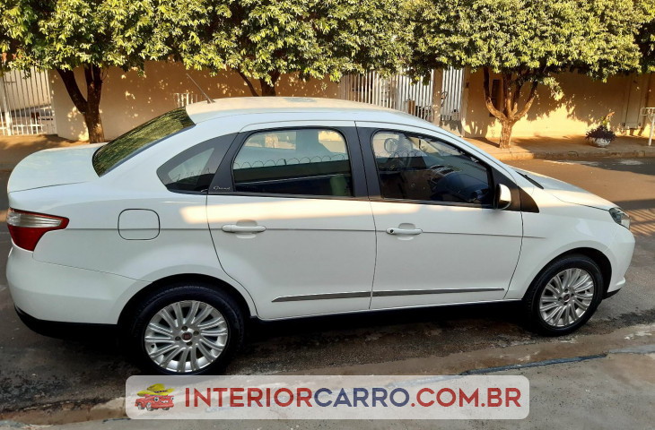 FIAT GRAND SIENA 1.6 MPI ESSENCE 16V FLEX 4P MANUAL Usado