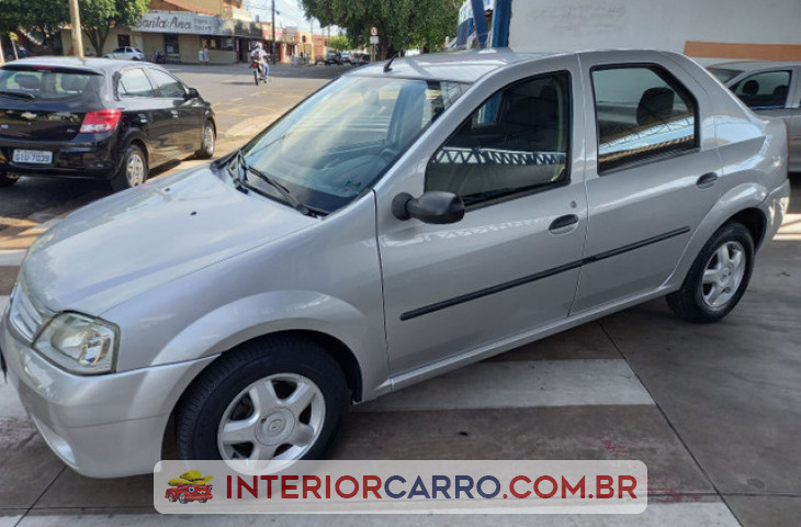 RENAULT LOGAN 1.6 EXPRESSION 8V FLEX 4P MANUAL Usado